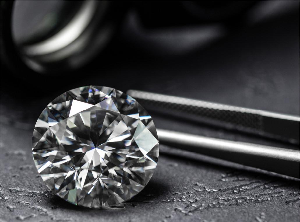 ダイヤモンドは、なぜ輝くの?