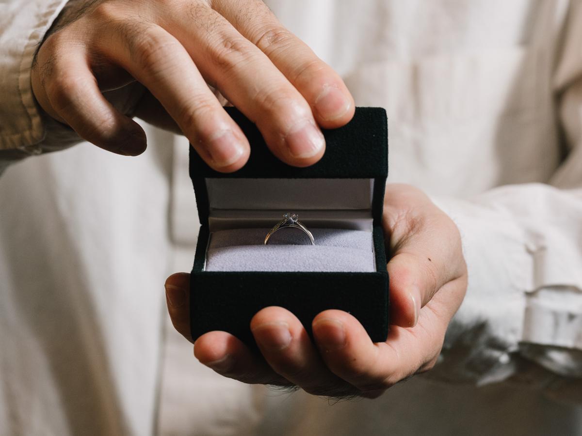 ヴァニラ福山本店と広島店の婚約指輪でサプライズプロポーズ