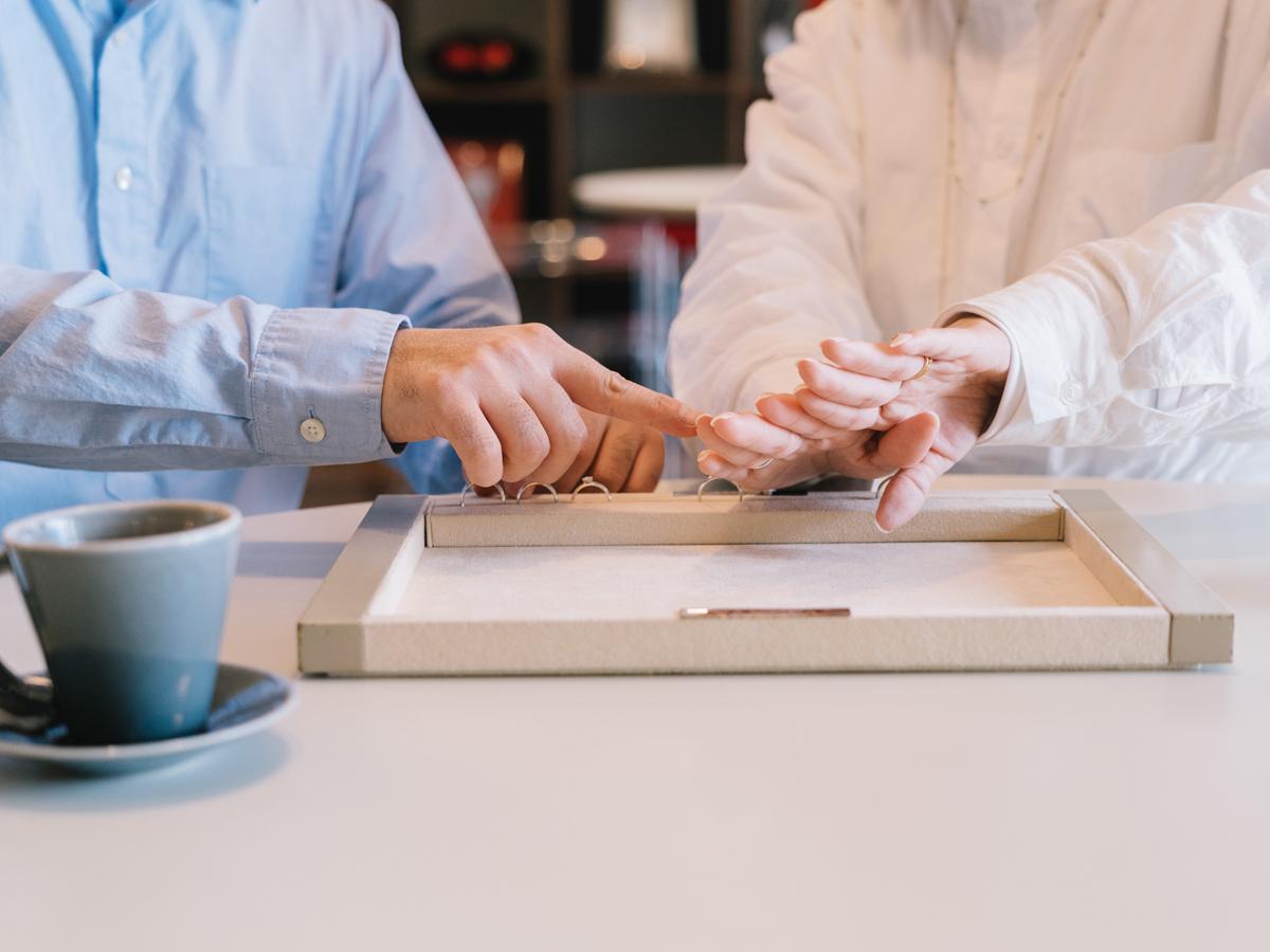 ヴァニラ福山本店と広島店の婚約指輪と結婚指輪の刻印入れ選び