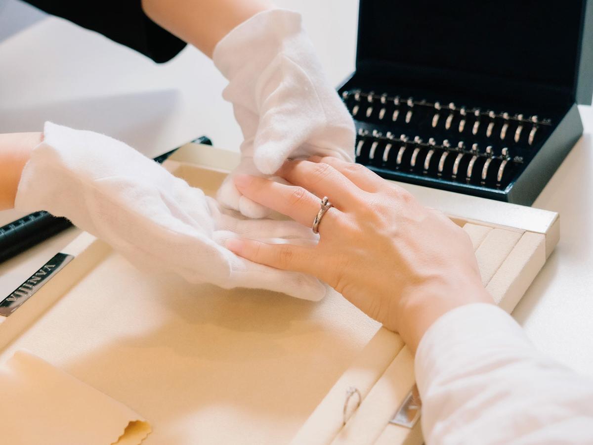 ヴァニラ福山本店コンシェルジュの指輪のサイズ計り