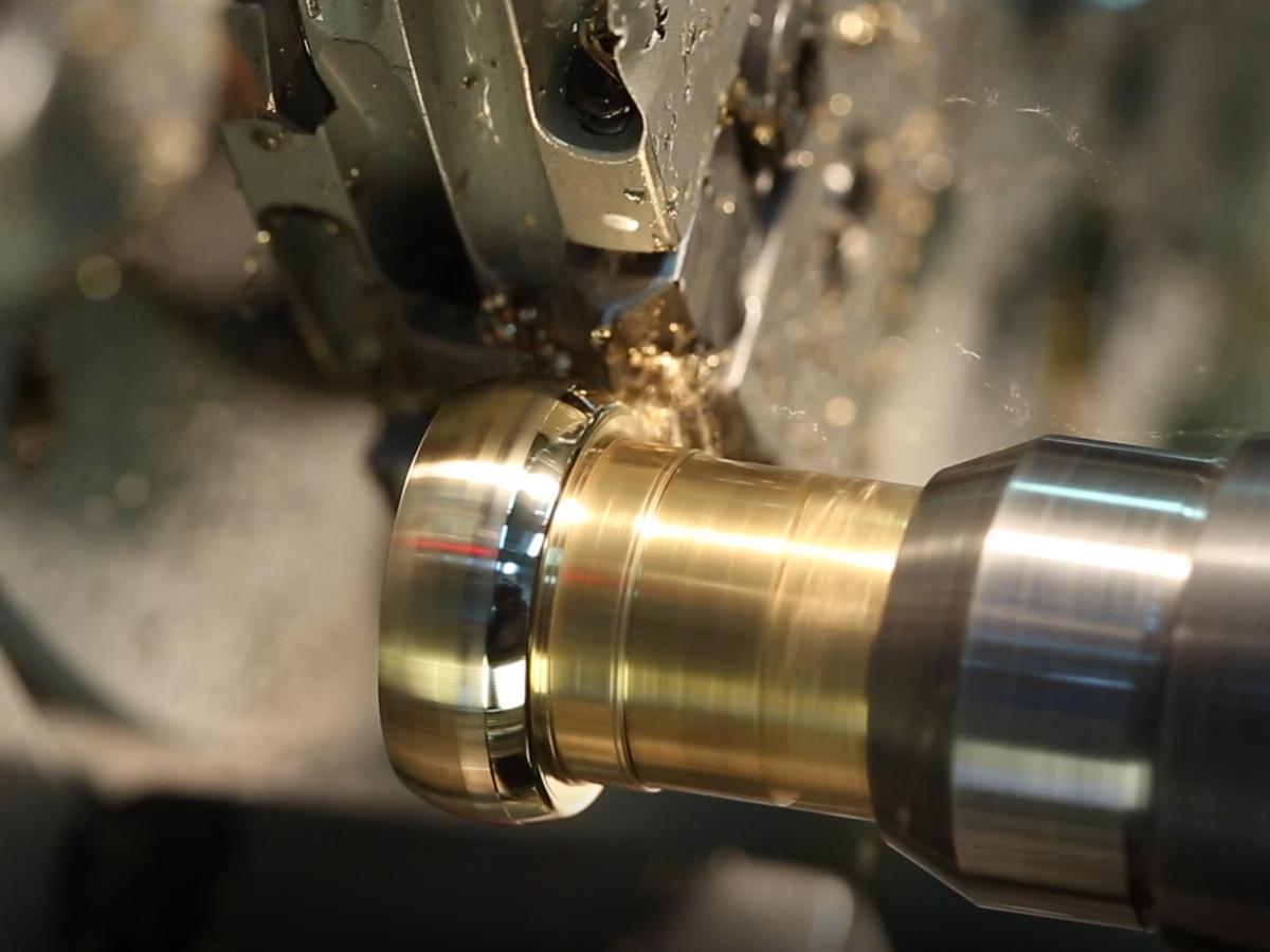 広島県広島市と広島県福山市のブライダル専門セレクトジュエリーショップヴァニラでお取り扱いする鍛造製法の結婚指輪