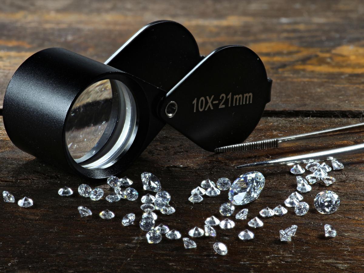 ヴァニラ広島店とヴァニラ福山本店の高品質なメレダイヤモンド
