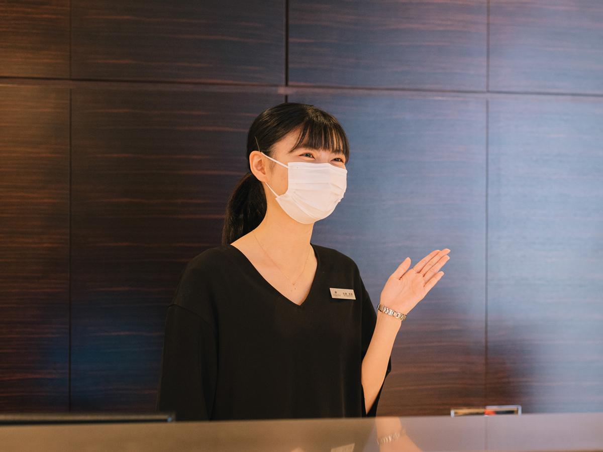 広島県広島市のヴァニラ広島店と広島県福山市のヴァニラ福山本店の新型コロナウイルス感染症予防対策についてコンシェルジュのマスク着用