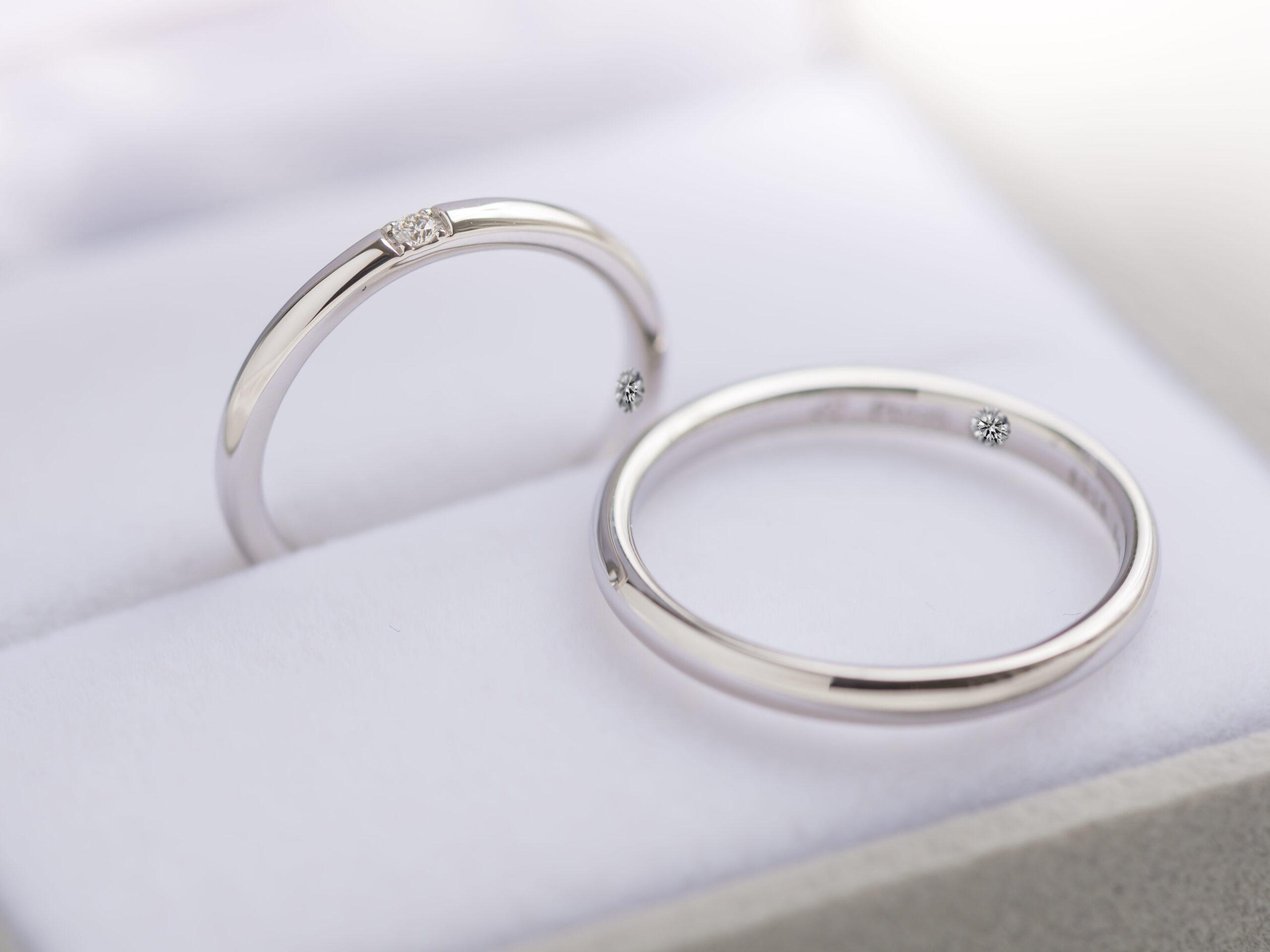 結婚指輪の内側に双子ダイヤモンドをセッティング